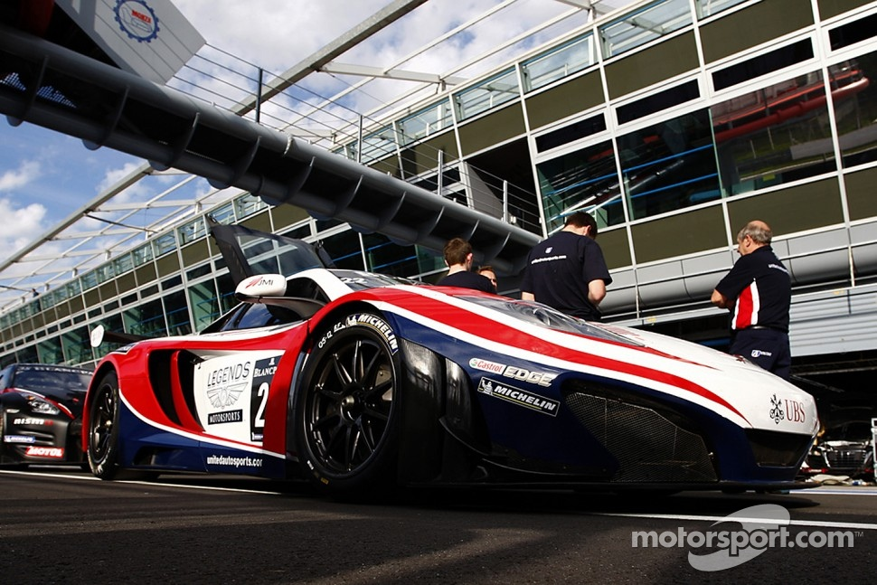 #22 United Autosports McLaren MP4-12C GT3:  Alvaro Parente, David Brabham, Matthew Bell