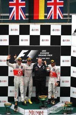 Jenson Button, McLaren Mercedes, Nico Rosberg, Mercedes AMG F1, Lewis Hamilton, McLaren Mercedes and Norbert Haug, Mercedes, Motorsport chief
