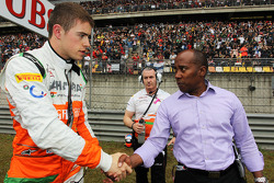 Paul di Resta, Sahara Force India F1 with Anthony Hamilton
