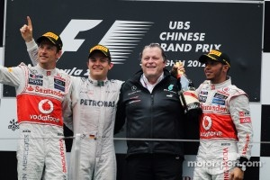 Podium: race winner Nico Rosberg, Mercedes AMG F1, second place Jenson Button, McLaren, third place Lewis Hamilton, McLaren and Norbert Haug, Mercedes Sporting Director