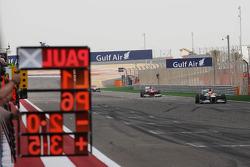 Paul di Resta, Sahara Force India VJM05 holds sixth place on the final lap ahead of Fernando Alonso, Scuderia Ferrari F2012