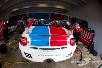Message for Butzi Porsche on the #59 Brumos Racing Porsche GT3