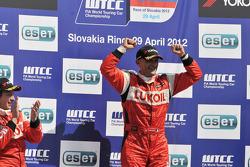 Race winner Gabriele Tarquini, SEAT Leon WTCC, Lukoil Racing Team
