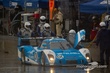 Pit stop for #01 Chip Ganassi Racing with Felix Sabates BMW Riley: Scott Pruett, Memo Rojas