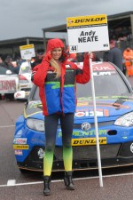 MG KX Momentum Grid Girl
