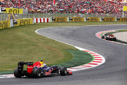 Sebastian Vettel, Red Bull Racing follows Jenson Button, McLaren