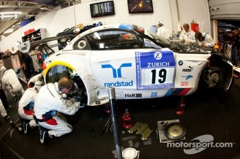 #19 BMW Team Schubert BMW Z4 GT3 in the garage with suspension problems
