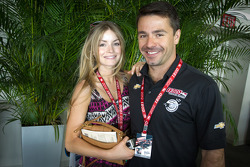 Oriol Servia, Dreyer & Reinbold Racing Chevrolet with his girlfriend
