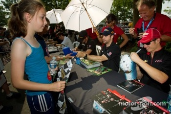 James Hinchcliffe, Andretti Autosport Chevrolet and Ryan Briscoe, Team Penske Chevrolet