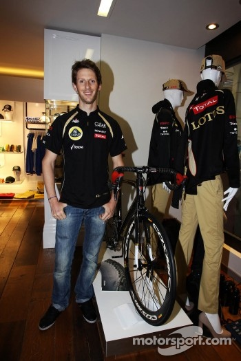 Romain Grosjean, Lotus F1 Team at the opening of the Lotus shop