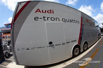 Audi Sport Team Joest transporter