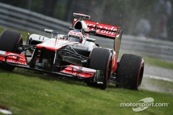 Jenson Button, McLaren Mercedes runs wide in the second practice session
