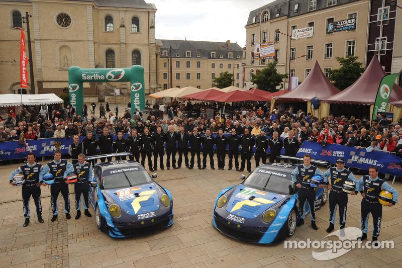#77 Team Felbermayr-Proton Porsche 911 RSR: Marc Lieb, Richard Lietz, Wolf Henzler, #88 Team Felbermayr-Proton Porsche 911 RSR: Christian Ried, Gianluca Roda, Paolo Ruberti