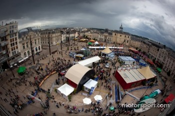 Overview of Place de la République during scrutineering