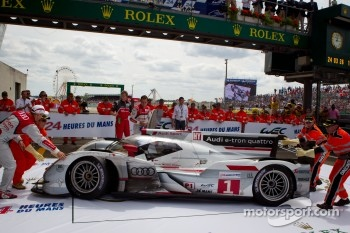 Race winners #1 Audi Sport Team Joest Audi R18 E-Tron Quattro: Marcel Fssler, Andre Lotterer, Benoit Trluyer enter parc ferm
