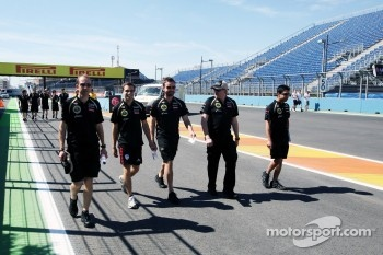 Jerome d'Ambrosio, Lotus F1 Team Third Driver walks the circuit