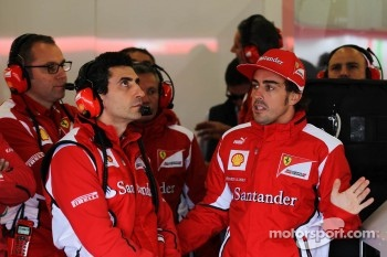 Andrea Stella, Ferrari Race Engineer with Fernando Alonso, Ferrari