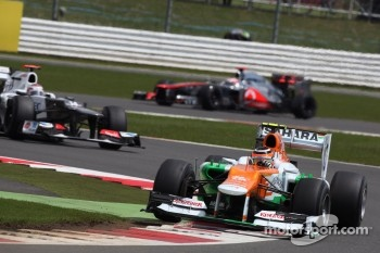 Nico Hulkenberg, Sahara Force India Formula One Team leads Kamui Kobayashi, Sauber F1 Team