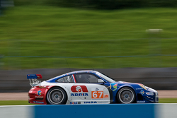 #67 IMSA Performance Matmut Porsche 999 GT3 RSR: Anthony Pons, Nicolas Armindo, Raymond Narac