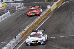 Sunday Round of 16 Martin Tomczyk, BMW Team RMG BMW M3 DTM against Robert Wickens, Mücke Motorsport AMG Mercedes C-Coupe