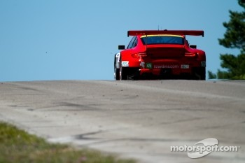 #45 Flying Lizard Motorsports: Jörg Bergmeister, Patrick Long