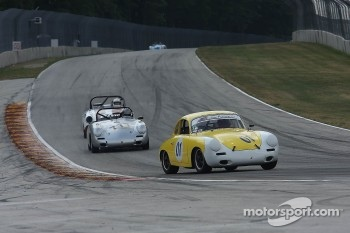 #01 1064 Porsche 356 SC: James Jackson #777 1964 Porsche 356 SC: John Schrecker
