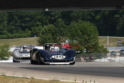 #36 1967 Lola T70MkIII : Bob Rowley #42 1965 McLaren M1B : Farrell Preston