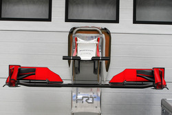 Hispania Racing F1 Team, F112 front wing