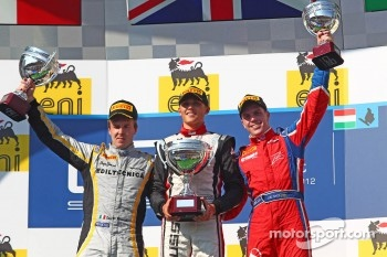 Podium: race winner Max Chilton, second place Davide Valsecchi, third place Luiz Razia