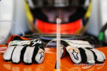 Racing gloves of Paul di Resta, Sahara Force India F1