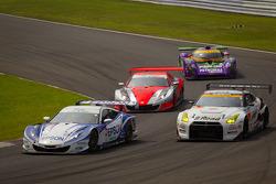 #32 Nakajima Racing Honda HSV-010 GT: Ryo Michigami, Yuki Nakayama, #3 NDDP Racing Nissan GT-R Nismo GT3: Yuhi Sekiguchi, Katsumasa Chiyo