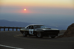 #42 Plymouth Cuda: Jess Neal