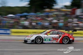 #45 Flying Lizard Motorsports Porsche 911 GT3 RSR: Jrg Bergmeister, Patrick Long           