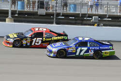 Matt Kenseth, Roush Fenway Racing Ford and Clint Bowyer, Michael Waltrip Racing Toyota