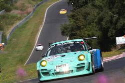 飞劲轮胎车队27号保时捷911 GT3R:沃尔夫·亨泽勒、马克·马佩利