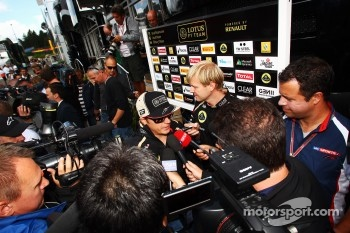 Kimi Raikkonen, Lotus F1 Team with the media