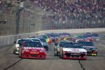 Start: Tony Stewart, Stewart-Haas Racing Chevrolet leads