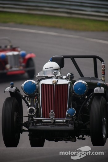 #68 Colin Smith Sheffield, Mass. 1948 MG TC