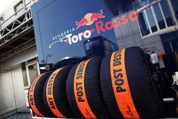 Scuderia Toro Rosso tyre blankets