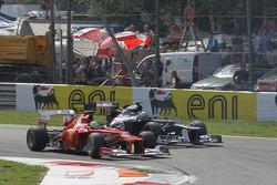 Felipe Massa, Scuderia Ferrari and Bruno Senna, Williams F1 Team