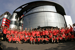 Race winner Lewis Hamilton, McLaren celebrates with the team