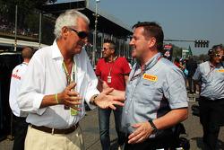 Marco Tronchetti, Pirelli Chairman with Paul Hembery, Pirelli Motorsport Director on the grid