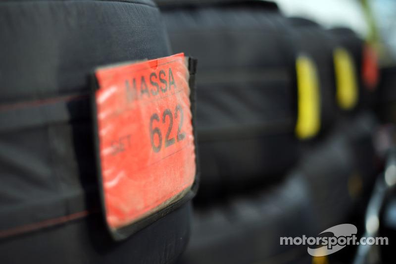 Tyre blankets for Felipe Massa, Ferrari