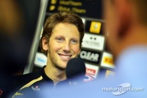Romain Grosjean talking to journalists in Singapore