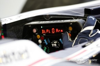 Pastor Maldonado, Williams and his steering wheel