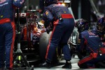 Daniel Ricciardo, Scuderia Toro Rosso STR7 makes a pit stop