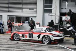 #18 Black Falcon Mercedes-Benz SLS AMG GT3: Congfu Cheng, Jeroen Bleekemolen, Mike Parisy