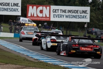 GT1 cars behind the safety car