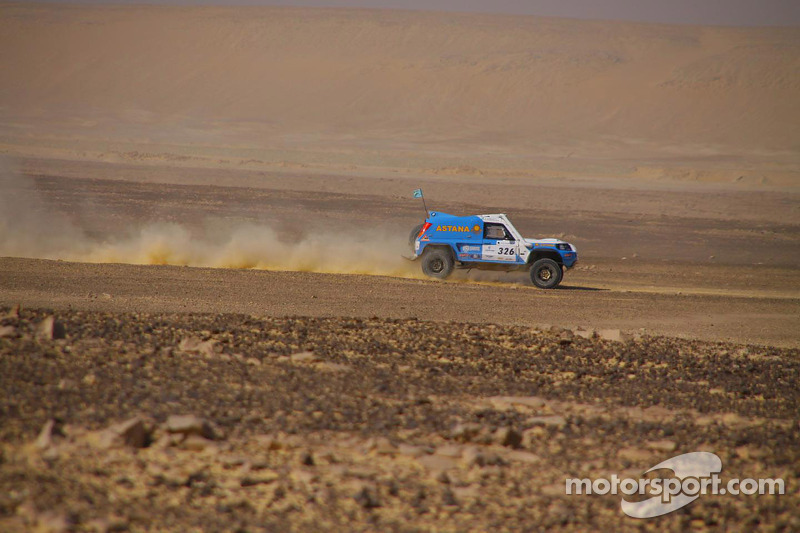 #326 Astana Team Desert Warrior: Bauyrzhan Issabayev, Dmitriy Yugai