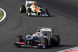 Sergio Perez, Sauber leads Nico Hulkenberg, Sahara Force India F1